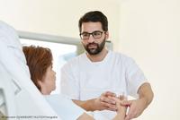 Pflegekraft im Krankenhaus